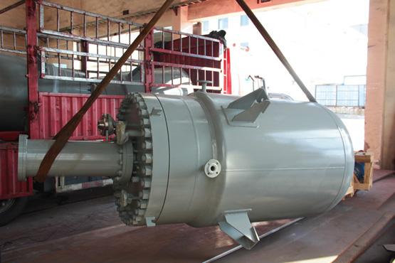 山东某单位3台2000L的高压驱动反应釜